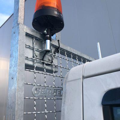 logistikfahrzeug-15714F1F6E-7BB0-BE56-16FD-4F7E25F3C81D.jpg
