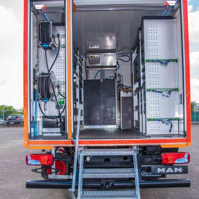 logistikfahrzeug-196D6FEC0-16AC-D7D8-680B-89A15A0AA874.jpg