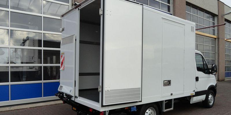 logistikfahrzeug-20343E7227-AFBF-AAFD-FE03-8980BBDF7CB1.jpg