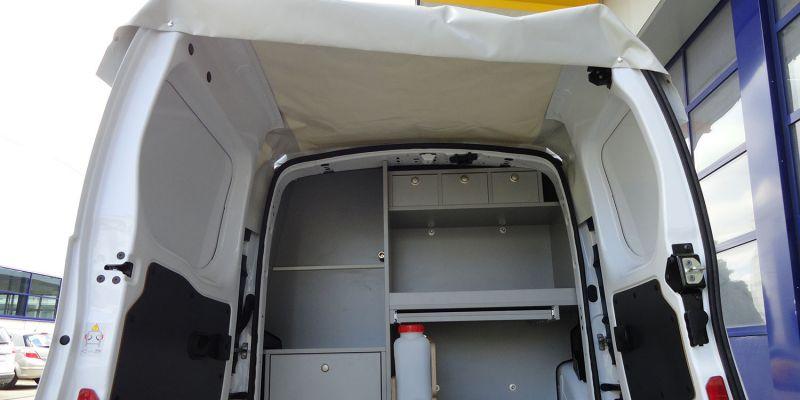 logistikfahrzeug-innen-423778CEB-C010-9592-DDE7-EE0374D28279.jpg