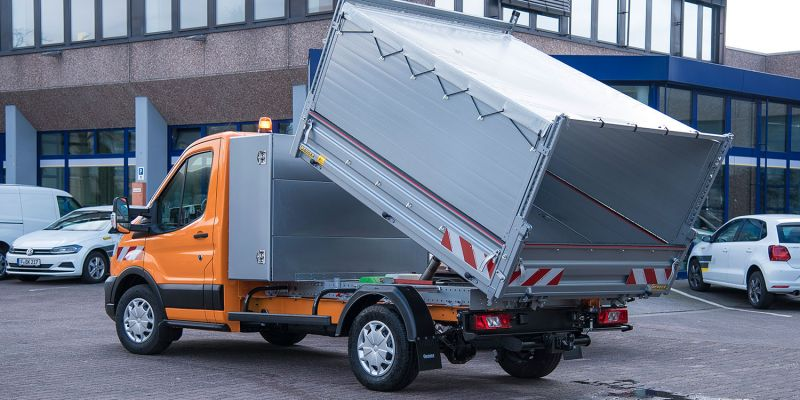 logistikfahrzeug152B578E-C496-BB10-CEAE-B189773BD026.jpg